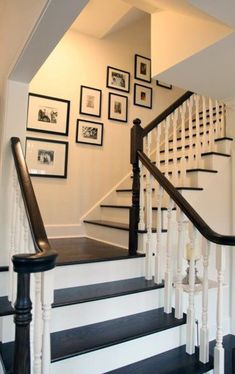 Awesome Modern Farmhouse Staircase Decor Ideas – Decorating Ideas - Home Decor Ideas and Tips - Page 13 Stairway Gallery Wall, Stair Gallery, Gallery Frames, Art Gallery, Stairway Pictures, Stairway Art, Hang Pictures, Style Pictures, Gallery Walls