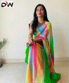 Formal Saree, Casual Saree, B Fashion, Indian Fashion Dresses, Fashion Suits, Plain Chiffon Saree, Sari Design, Pakistani Bridal, Bridal Sarees