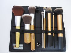 What's in my Make-Up Travel Bag?  #beauty #brushes #make-up   real techniques, ecotools, everyday minerals