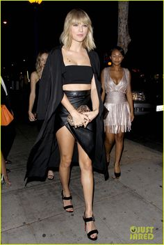 Taylor Swift & Halston Sage Are Gold Star Twins!