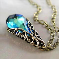 Swarovski Ocean Blue Necklace Peacock Blue Crystal Necklace Victorian Style Antique Gold Blue Teardrop Pendant Necklace