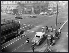 Here we have a photograph that is supposed to be showing streetcar safety. This is the corner of Hollywood and Vine in 1952. You see that narrow strip of road with the painted border? The one that the streetcar passengers alight into? I think that was supposed to be the safety zone...although how exactly that kept you safe from drivers rushing to catch the light, I'm not sure.