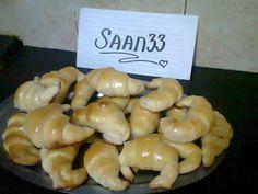 Medialunas de manteca Super faciles (fotoreceta) - Rece... en Taringa! Relleno, Scones, Sushi, Garlic, Bread, Baking, Vegetables, Ethnic Recipes, Food