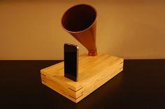 How to make a DIY gramophone iPhone speaker