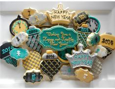 A Regal New Year decorated cookies- Buttercup Cookie Fancy Cupcakes, Fancy Cookies, Vintage Cookies, Iced Cookies, Cute Cookies, Royal Icing Cookies, Yummy Cookies, Cupcake Cookies, Sugar Cookies