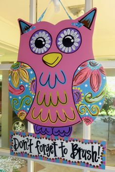 Personalized owl wall/door hangers. Presh.