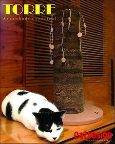 TORRE - Arranjador vertical c/ brinquedinhos de sisal - Produto exclusivo Cat Design - Venda direta pelo ZAP - Enviamos o/ todo o Brasil - Resistente durável e funcional - faz seu gato parar de arranhar o sofá Como comprar? FALE COMIGO (Zap 31 99125 4494 - Claudio Menezes) #cat #cats #gato #gatos #euamogatos #amogatos #arranhadores #feline #scotishcat #felines #euamogatos #amogatos #lovecats #catlovers #cutecat #kittycat #kitty #sleepingcat #instacat #arranhadorparagatos #arranhadordepapelao…