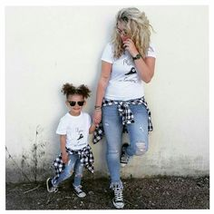 Mother Daughter Pictures, Mother Daughter Fashion, Mother Daughters, Daddy Daughter, Mother Son, Mom Daughter Matching Outfits, Mommy And Me Outfits, Twin Outfits, Girl Outfits