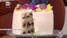 """""""Detto Fatto"""": la ricetta della blueberry cake di Francesco Saccomandi del 14 ottobre 2016. Una torta americana con mirtilli e limone."""