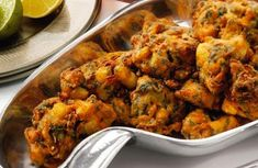 Easy Indian Recipes: Vegetable Pakora Indian Recipe Note to self: add more spices Easy Indian Recipes, Asian Recipes, Healthy Recipes, Indian Carrot Recipes, Easy Indian Snacks, Indian Appetizers, East Indian Food, Fingers Food, Pakora Recipes