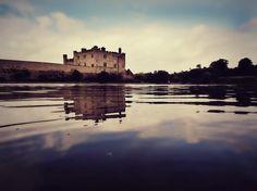 잔잔한 호수에 비친 리즈성의 모습 정말 아름답습니다.