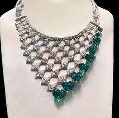 http://rubies.work/0306-sapphire-ring/ ❤ Chopard @chopard emerald necklace.