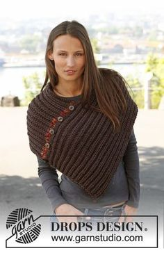 """Diy Crafts - Elsa - Knitted DROPS poncho in English rib in """"Eskimo"""". Size one-size. - Free pattern by DROPS Design Poncho Shawl, Knitted Poncho, Knitted Shawls, Crochet Scarves, Crochet Clothes, Loom Knitting, Knitting Patterns Free, Knit Patterns, Free Knitting"""