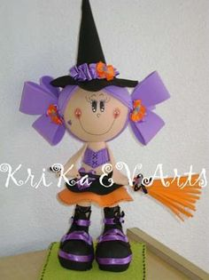 **FOFUCHOLANDIA**-NO AGRADECIMIENTOS-Solo imagenes con moldes ,tips y paso a paso. Diy Crafts For Gifts, Foam Crafts, Crafts To Make, Halloween Fun, Halloween Decorations, Halloween Witches, Fabric Dolls, Projects To Try, Christmas Ornaments