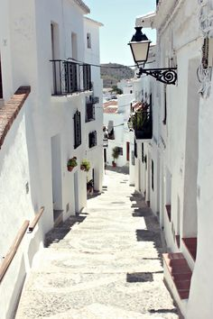 travelingcolors:  Streets of Frigiliana, Málaga | Spain (by Nacho Coca)