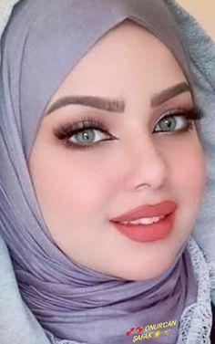Beautiful Muslim Women, Beautiful Hijab, Beautiful Figure, Beautiful Redhead, Cool Face, Pretty Face, Beauté Blonde, Girl With Green Eyes, Muslim Beauty