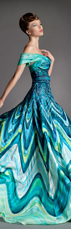 OMG. I don't even know what to say about this gorgeous dress. Or rather gown. Blanka Matragi 2014