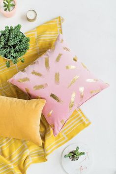 DIY Gold Foil Brushstroke Pillow | Sugar & Cloth