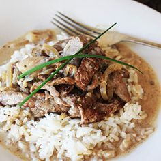 Fill your tummy with love with this easy beef stroganoff. Stroganoff Recipe, Beef Stroganoff, Cold Chicken Salads, Curry Stew, Russian Dishes, Beef Strips, Sour Cream Sauce, Catering Menu, Weekday Meals