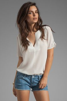 love the look spring / summer 2015 em 2019 blusas de moda, Moda Zara, Look Chic, Free Clothes, Spring Summer 2015, Revolve Clothing, Style Me, Nyc, Womens Fashion, How To Wear