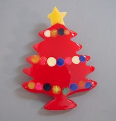 Shultz bakelite Christmas tree brooch in red