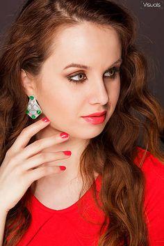 #earring #handmadebyzuzu #crystals #resin #recykled #handmade suzina / green @ skyblue crystals