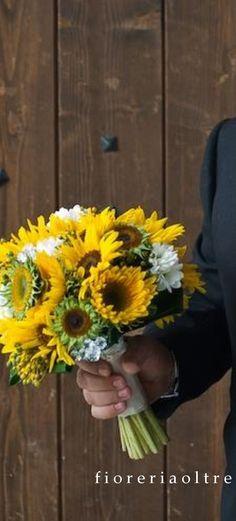 Fioreria Oltre/ Bridal bouquet/ Sunflowers