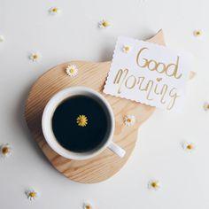 Las ganas que tengo de que nos demos una tregua el despertador y yo no entran en este pie de foto ¡Buenos días bonitos! #buenosdias #acozysummer #elclubdeldesayunobonito #goodmorning #breakfast #breakfasttime #coffee #coffeeandseasons #vsco #vscostyle #rsa_vsco #click_dynamic