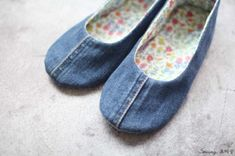 청바지리폼(도안) 덧신만들기,패브릭DIY : 네이버 블로그 Couture, Mary Janes, Diy And Crafts, Slippers, Flats, Denim, Sewing, Sneakers, Shoes