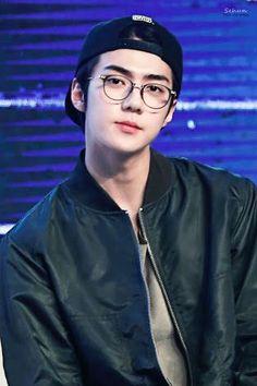 Read ~Sehun~ from the story 🌻EXO Reactions🌻 by with reads. Imagine o Sehun a te olhar assim: Sehun Oh, Sehun Cute, Baekhyun Chanyeol, Park Chanyeol, Exo Chen, Kpop Exo, Chanbaek, Exo Ot12, Kaisoo