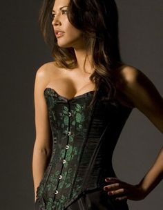 Vollers Forest Green Double Boned Corset – Vollers Forest Green Double Boned Corset accentuates your curves and hugs your body. This sweet designer green corset has a front length of and a back length of Traditionally made in England. Boned Corsets, Overbust Corset, Punk Outfits, Sexy Outfits, Corsets For Sale, Corsets Online, Sexy Korsett, Designer Lingerie, High End Fashion