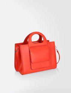 e56138eacb68 Elegant Women s Bags - New Max Mara 2018 Collection