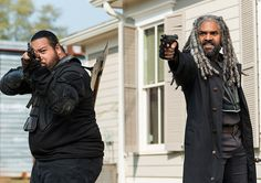 """Jerry & King Ezekiel The Walking Dead Season 7 Episode 16 """"The First Day of the Rest of Your Life"""" Walking Dead Season, Walking Dead Tv Series, Fear The Walking Dead, Alexandria, Twd 7, King Ezekiel, Dead Pictures, Neighborhood Watch, The Day Will Come"""