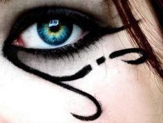 Love the Egyptian inspired eye makeup.