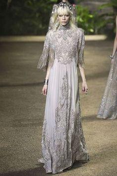 هوت كوتور ربيع / صيف المصمم إيلي صعب2016 Haute Couture Spring / Summer 2016 designer Elie Saab Haute Couture Printemps / été 2016 concepteur Elie Saab