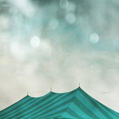 Laura Ruth, Magical, Tent