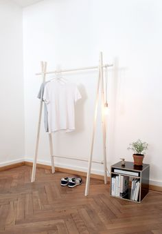 Kleiderstange Stephan Wespi (Minimalist Furniture Designs)