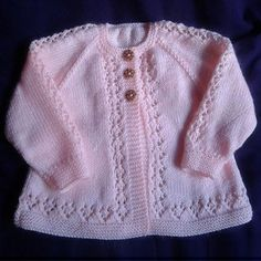 Beauty Baby Cardigan This Knit pattern / tutorial is available for free...  Full post: Beauty Baby Cardigan