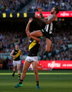 AFL 2018 Round 06 - Collingwood v Richmond - AFL.com.au Soccer Guys, Soccer Players, Richmond Afl, Collingwood Football Club, Australian Football League, Sports Mix, Male Athletes, Different Sports, Card Storage