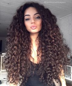 The best collection of Beautiful Long Curly Hairstyles latest and best long curly hairstyles long curly hair 2018 Big Curly Hair, Curly Hair Styles, Natural Hair Styles, Long Curly, Curly Girl, Short Wavy, Kinky Hair, Pretty Hairstyles, Hairstyles 2018