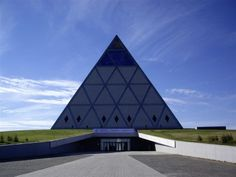 arquitetura piramidal - Pesquisa Google