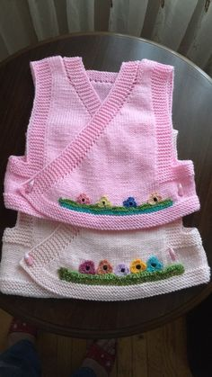 💓🚫 Shares are for idea purposes products do not belong to me no … - Kindermode Ideen Knitting For Kids, Knitting Socks, Free Knitting, Knitted Hats, Crochet Dolls Free Patterns, Kids Patterns, Baby Knitting Patterns, Baby Pullover, Baby Vest