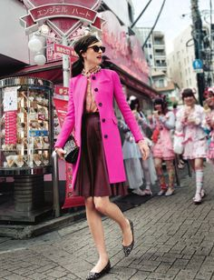 bright pink coat // pink is back! i want that coat Looks Style, Style Me, Style Blog, Tweed Run, Outfit Invierno, Trends, Style Guides, Passion For Fashion, Dress To Impress