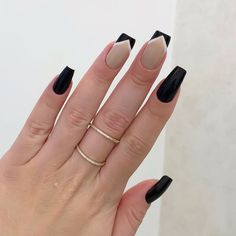 Simple nails design can be beautiful and fashionable. In the pictures below, we collected simple manicure designs. Cute Acrylic Nails, Cute Nails, Pretty Nails, French Tip Nails, Simple Nail Designs, Stylish Nails, Professional Nails, Square Nails, Simple Nails