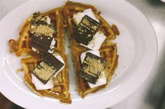 S'more waffles! Desserts for your summer cookout