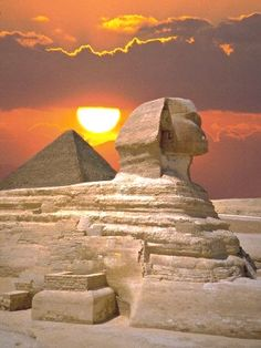 The Sphinx and the Great Pyramid, Cairo, Egypt  Egypt Vacation  Accéder au site pour information   https://storelatina.com/egypt/travelling  #pyramidsofegyptvacation #Егіпет #island #detox