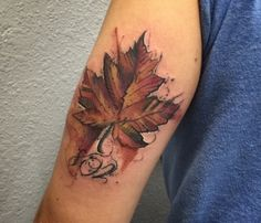 As a lot of Maple Leaf Tattoos not concerning the patriotical topic, this one is also performed in watercolor tattoo style and is full of melancholy. Body Art Tattoos, New Tattoos, Small Tattoos, Sleeve Tattoos, Tatoos, Tattoo Art, Fall Leaves Tattoo, Autumn Tattoo, Design Tattoo