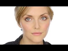 Lisa Eldrighe makeup tutorial: Fresh Faced Beauty Makeup With Sophie Dahl.  I want all of the products she uses!