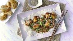 Recept inspirovaný asijskou kuchyní, který vtéto verzi ale není nijak pikantní, sijistě zamilují iděti. Kousky kuřete vkřupavém těstíčku obaleném jemnou nasládlou omáčkou. Unás se tento recept zabydlel, vyzkoušejte ho také! Sprouts, Vegetables, Cooking, Fit, Ethnic Recipes, Kitchen, Shape, Vegetable Recipes, Brewing