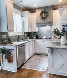 Farmhouse Kitchen Decor, Kitchen Redo, Home Decor Kitchen, New Kitchen, Home Kitchens, Kitchen Design, Kitchen Cabinets, Farmhouse Kitchen Inspiration, Farm House Kitchen Ideas